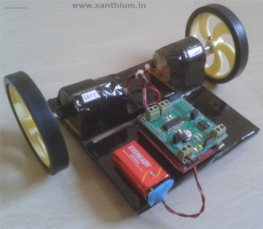 picture of a robot made from MSP430 launchpad and L293D motor controller chip